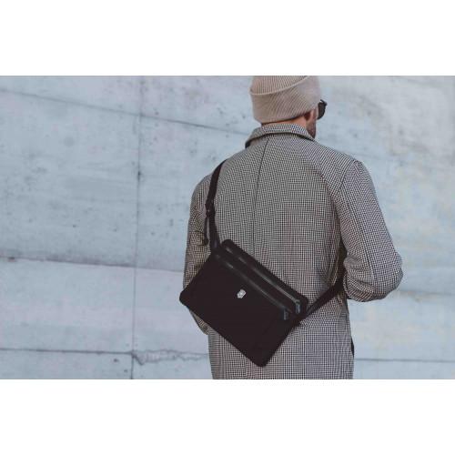Necessaire Victorinox Lifestyle Accessory Compact Crossbody Bag Preta