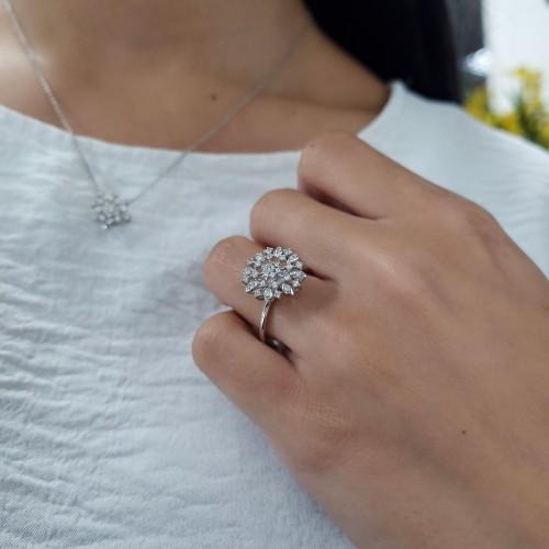 Anel chuveiro de ouro branco com diamantes
