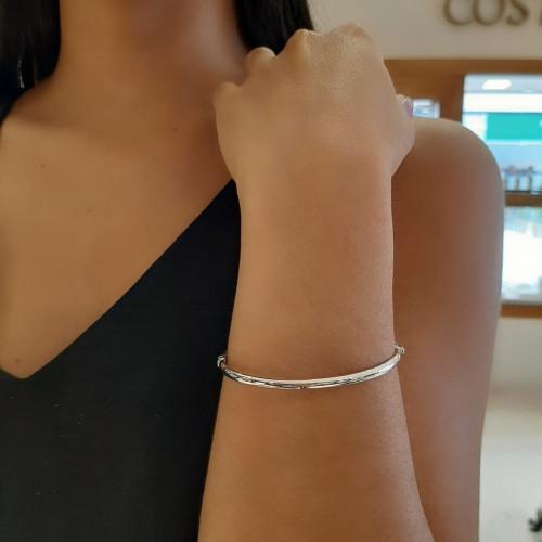 Bracelete de ouro branco rígido