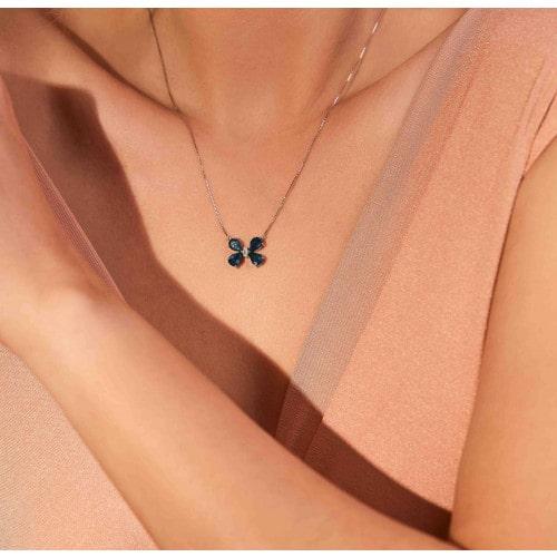 Gargantilha borboleta de ouro branco 18k com Topázio London e Diamante