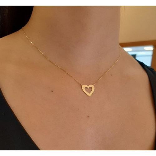 Gargantilha de ouro 18k coração vazado polido