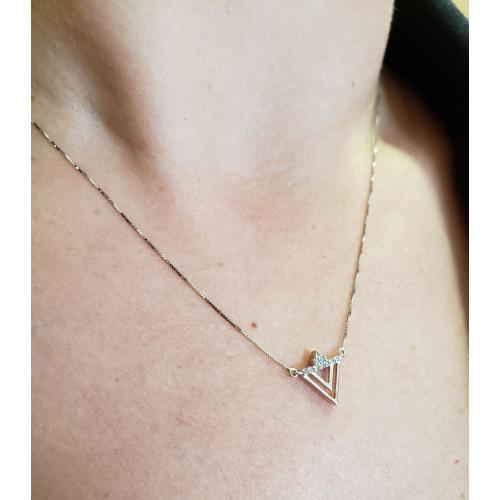 Gargantilha de ouro branco triângulo com diamantes