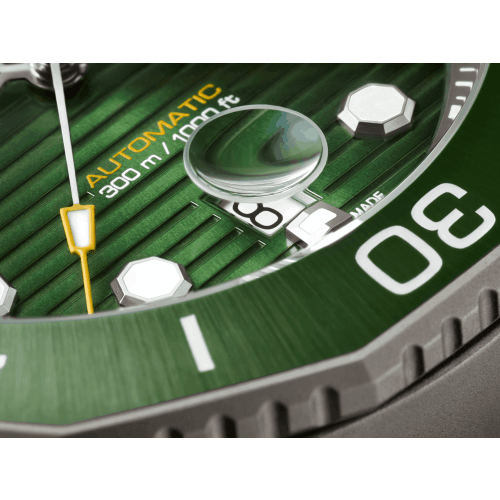 Relógio TAG Heuer Aquaracer Titânio Professional 300 - WBP208B.BF0631