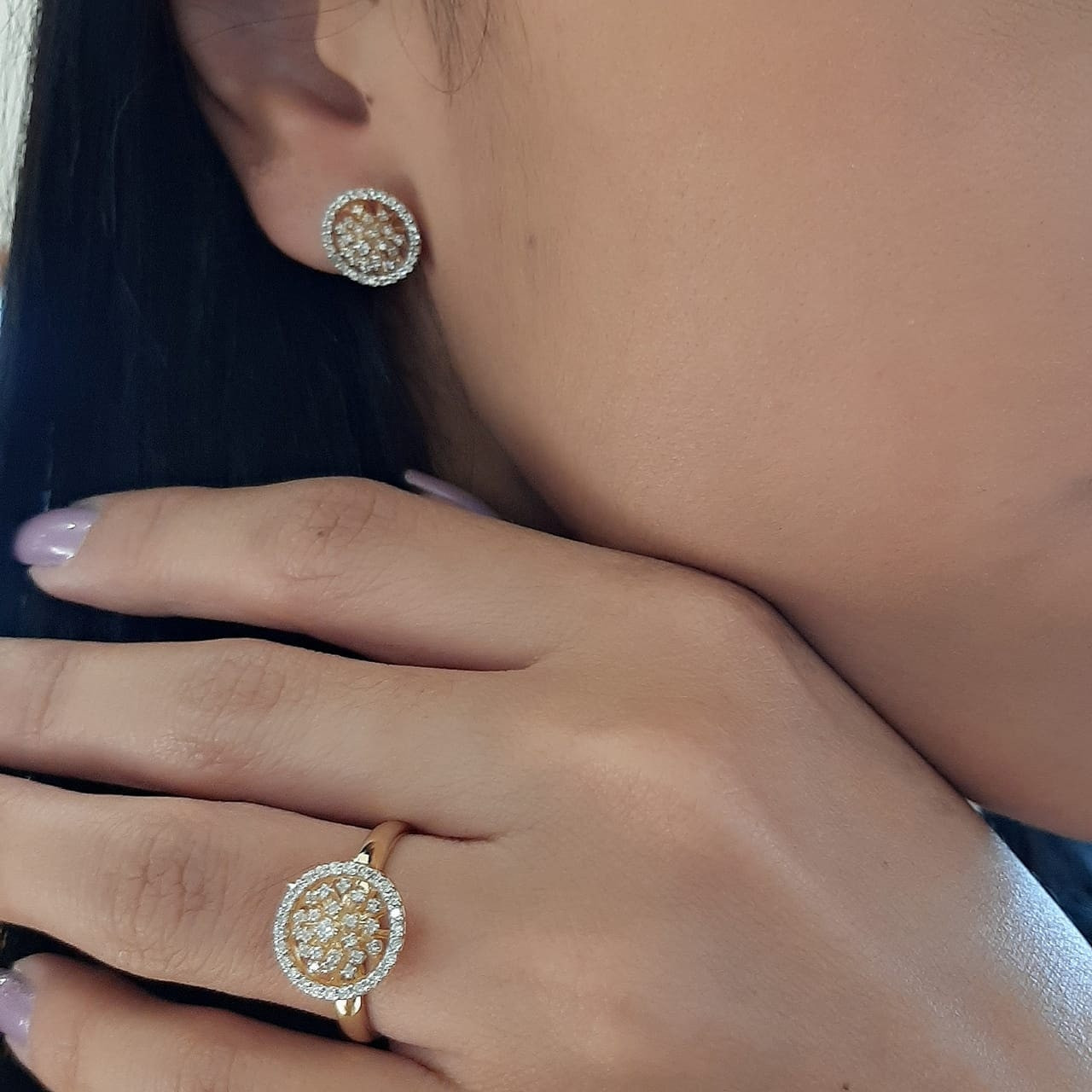 Brinco de ouro 18k redondo chuveiro diamantes